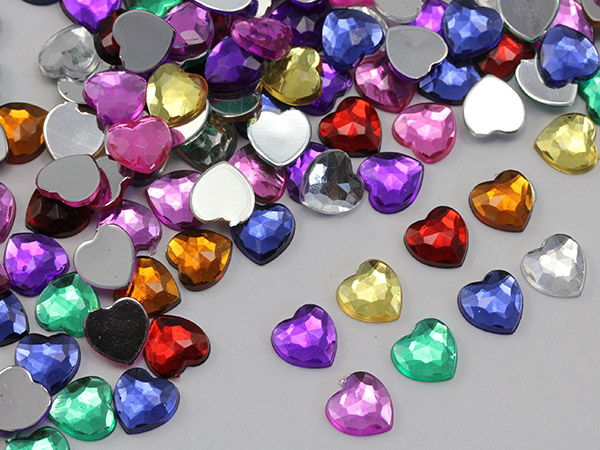 colorful acrylic heart plastic jewels